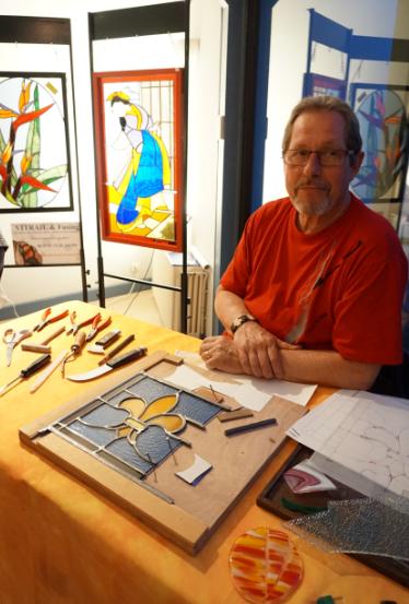 atelier-bourges-vitrail-fusing-jean-michel-bernard-article-blog-damien-carboni-journaliste